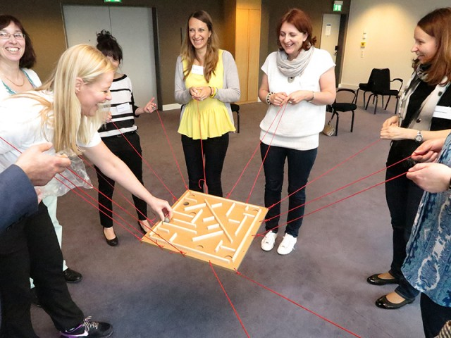 Call From A Different Number >> Team Building Indoor | Challenging Team Games | Conray.ch