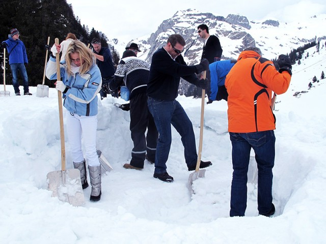 Winter Events Switzerland | Igloo Building | Conray ch