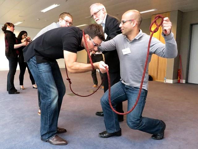 Team Building Indoor | Challenging Team Games | Conray.ch